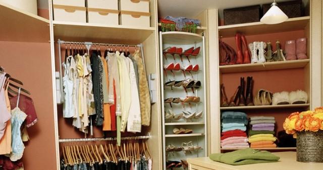 closet-dicaetal